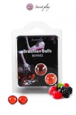 2 Brazilian Balls - baies rouges : La chaleur du corps transforme la brazilian ball en liquide glissant au parfum de baies rouges, votre imagination s'en trouve exacerbée.
